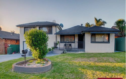 12 Harrow Rd, Glenfield NSW 2167
