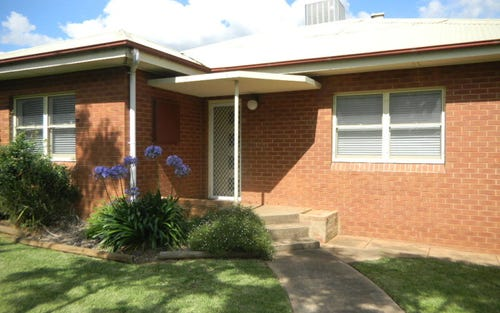 17 East Street, Parkes NSW 2870