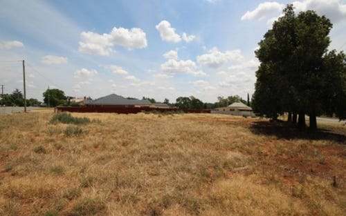 20 Loughnan Street, Coolamon NSW 2701