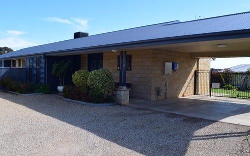 18 Vaucluse Place, Parkes NSW 2870