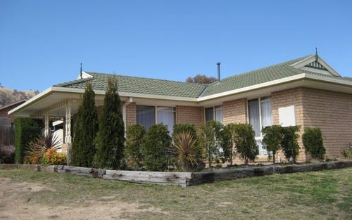 2 Wilson Crescent, Banks ACT