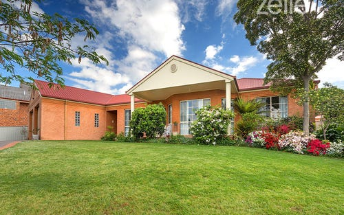 77 Crawshaw Crescent, Albury NSW 2640