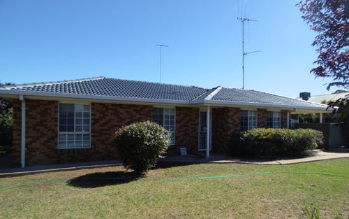 2 Clancy Place, Parkes NSW