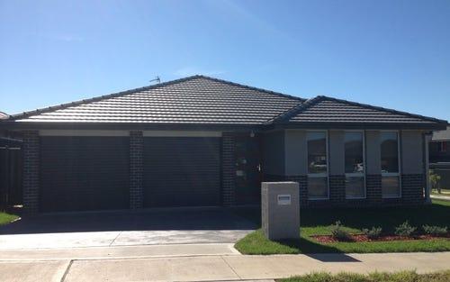 89 Deerubbin Dr, Glenmore Park NSW 2745