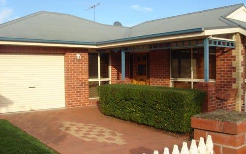 2/561 Schubach Street, Albury NSW