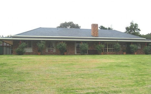 147 Willawong, Young NSW 2594