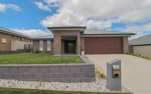 30 Amber Close, Kelso NSW 2795