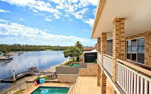 13 Captains Way, Banora Point NSW 2486