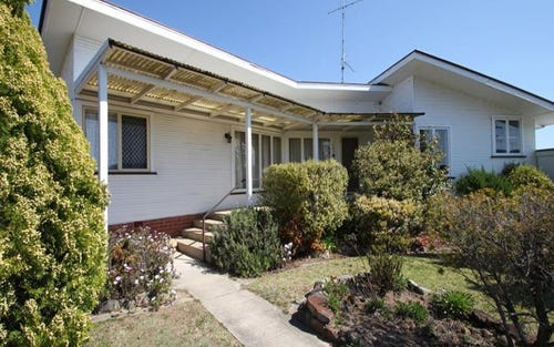 107 Molesworth Street, Tenterfield NSW 2372