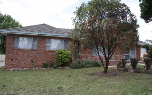 56 Cross, Glen Innes NSW 2370