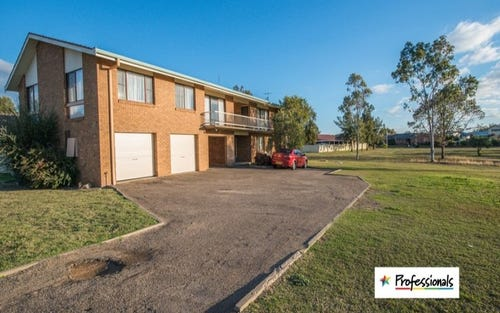 2/4 Illoura Street, Tamworth NSW