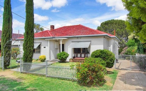 135 Upper Street, Tamworth NSW 2340