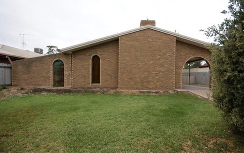 323 Jameson St, Deniliquin NSW 2710