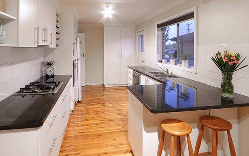 15 Walana Crescent, Kooringal NSW 2650