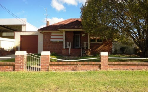 344 Boorowa Street, Young NSW 2594