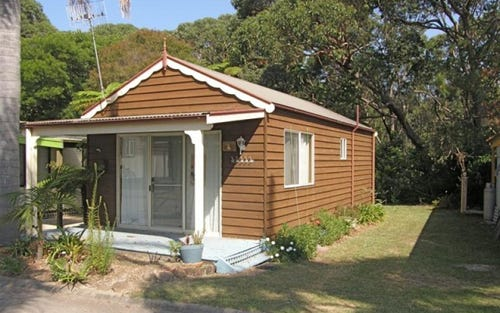 Cabin 33 Wairo Beach Tourist Park, Lake Tabourie NSW 2539