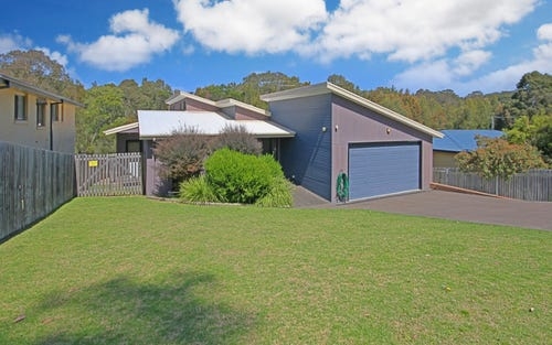 28 Renee Crescent, Moruya Heads NSW 2537