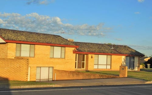 2 Cherry Court, Young NSW 2594