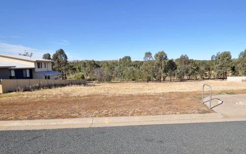 31 John Potts Drive, Junee NSW 2663