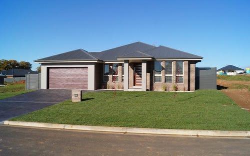 15 Mariposa Street, Glenroi NSW 2800