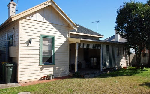 10 Graham Street, Henty NSW 2658