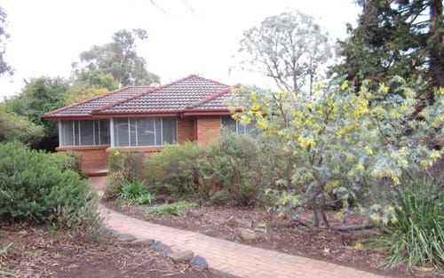 4 Oakes Place, Cook ACT