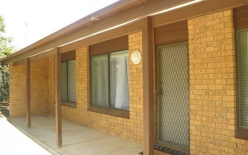1/4 Macquoid Place, Kambah ACT