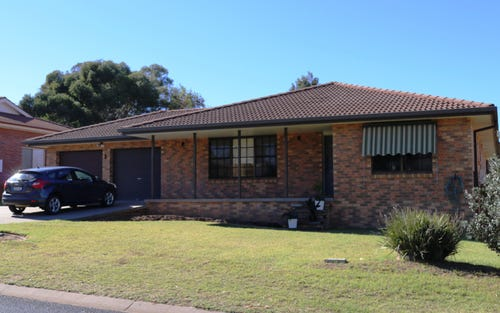 25 McNarry Place, Young NSW