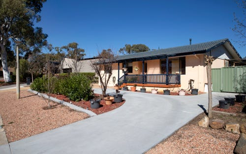 3 Maclaurin Cr, Chifley ACT 2606