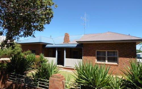 42 Albert St, Parkes NSW 2870