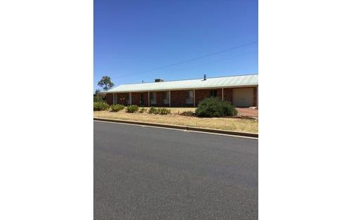 32 DAWSON DRIVE, Cowra NSW