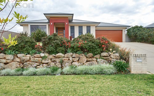 25 Bedervale Street, Bourkelands NSW 2650