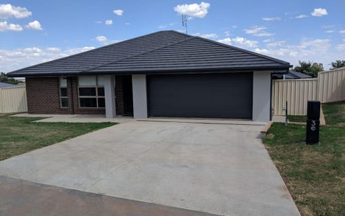 3 Willow Place, Parkes NSW