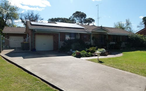 15 Chelsea Cr, Forbes NSW 2871