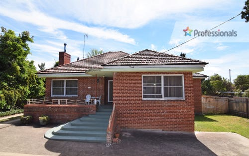 99 Rocket St, Bathurst NSW 2795