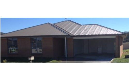 24 Molloy Drive, Orange NSW