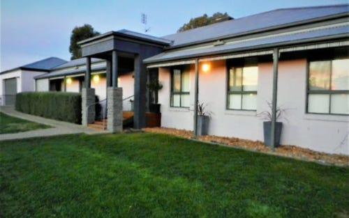 10 Vine St, Holbrook NSW 2644