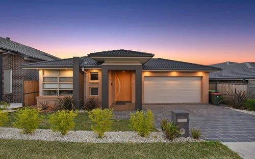 11 Ivor Av, Middleton Grange NSW 2171