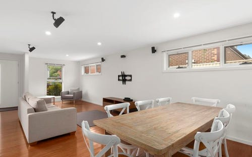4 Avoca Place, Geelong VIC