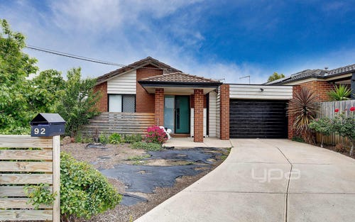 92 Malmsbury Dr, Meadow Heights VIC 3048