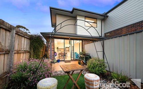 2/15 Powell Cr, Maidstone VIC 3012