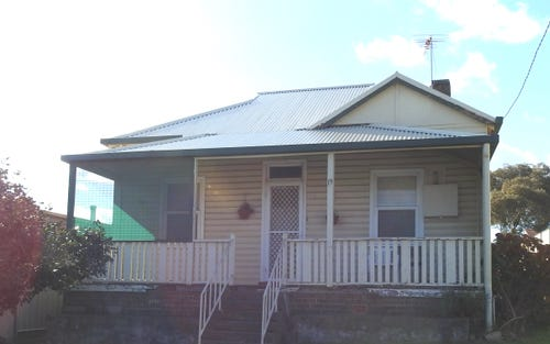 19 Brock Street, Young NSW