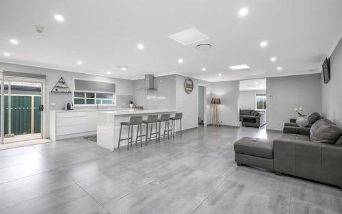 7 Baringa Cl, Green Valley NSW 2168