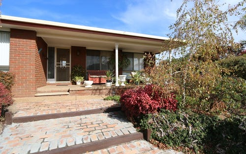 84 Maple Road, Lake Albert NSW