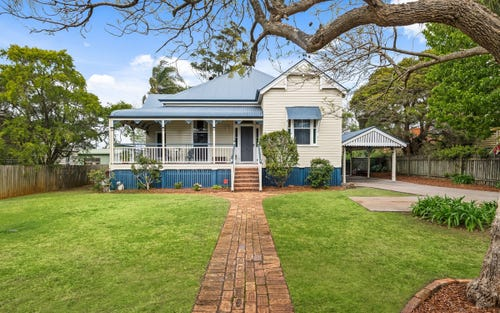 198 Campbell St, Newtown QLD 4350