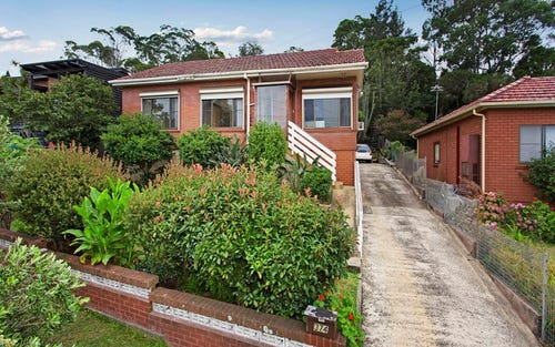 374 Northcliffe Dr, Lake Heights NSW 2502