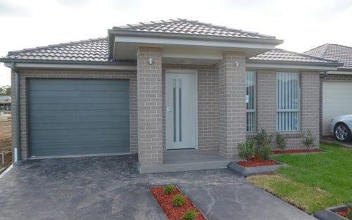 33 Northridge Road, Jordan Springs NSW