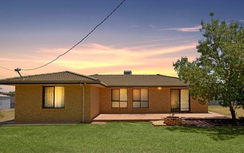 73 Wilga St, Hanwood NSW 2680