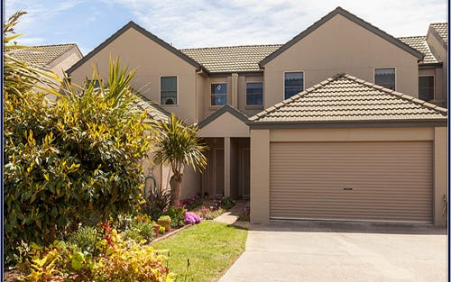 17 Carnall Close, Holt ACT