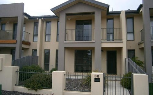 38 Glow Worm Grove, Harrison ACT